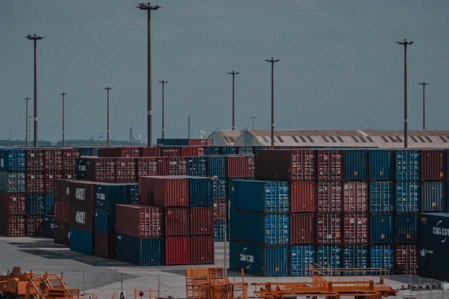 cargo-cargo-container-clouds-1427541 (1)
